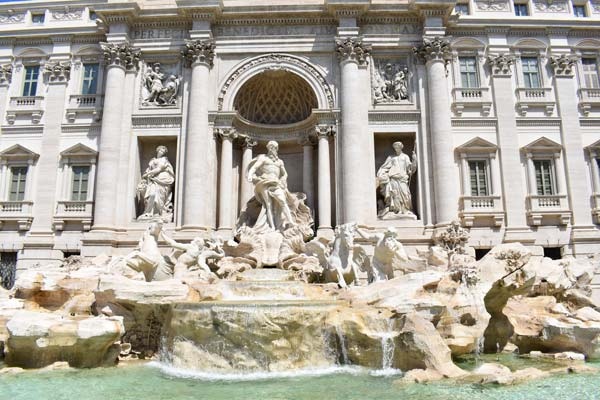 the-Trevi-Fountain